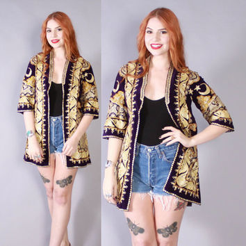 Vintage 70s Ethnic JACKET / 1970s Indian Embroidered Velvet Moon & Stars Purple Coat