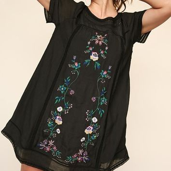 Umgee Gypsy Floral Embroidered SS Plus Dress - Black or Off White