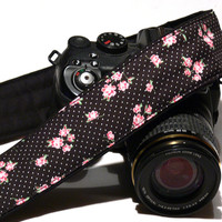 Polka Dot dSLR Camera Strap. Flowers Camera Strap. Floral Camera Strap. Women accessories