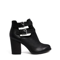 New Look Evelyn Cut Out Heeled Boots