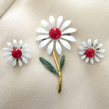 White and Red Enamel Daisy Flower Brooch & Earrings Set Vintage Flower Power