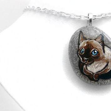 Siamese Cat Necklace, Pet Memorial Gift, Pet Portrait Pendant, Pet Loss Jewelry, Hand Painted Rock, Beach Stone, Pet Owner Gift
