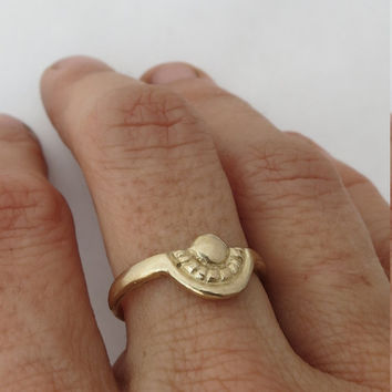 14k Gold arc ring. Antique ring. Solid yellow gold ring. Weeding ring for women. Handmade.
