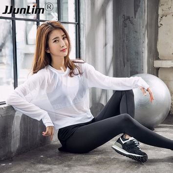 Women Mesh Yoga Shirt Gym Sport T shirt Quick Dry Running Top Shirts Breathable Fitness Athletic Workout Clothing Gym Sportswear