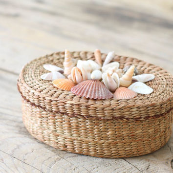 Woven Lidded Basket with Seashells by PineandMain on Etsy
