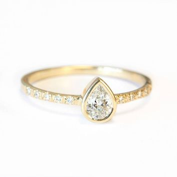 Pear shaped diamond engagement ring bezel setting 8e06167077