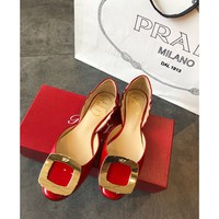 hcxx 2320 19May Roger Vivier Chips Hollow Classic Flat-soled Shoes Red