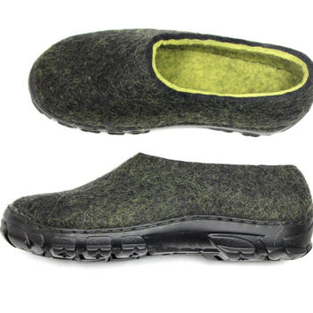 Unisex Felt Shoes Black Lime Green, Mens Clogs, Womens Wool Shoes, Rubber Soles Outdoor, Handmade Winter Shoes, Travel Shoes, Snow Boots