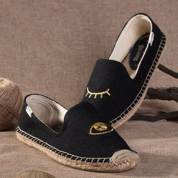 Soludos Women Platform Eye Embroidery Slipper