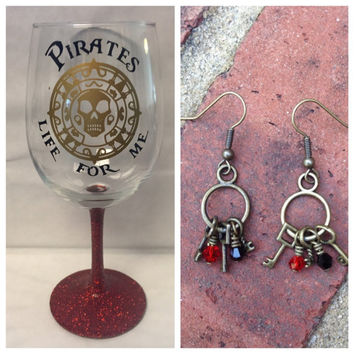Gift Bundle Pirates of the Caribbean Wine Glass and Earrings