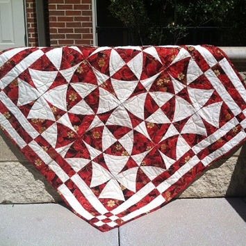 Red, Cream and Gold Winding Ways Wall Hanging Quilt