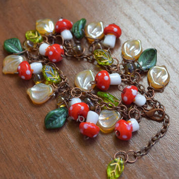 Mushroom Bracelet,Glass Mushroom Bracelet,Mushrooms Bracelet,Boho bracelet,Kids bracelet,Girl bracelet,Red green,Glass beads,Forest,Girls