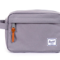HERSCHEL SUPPLY CO CHAPTER TRAVEL KIT IN GREY