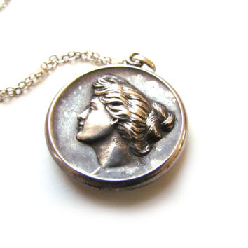 Antique Art Nouveau Sterling Silver Woman Locket c.1910