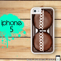 iPhone 5 Mighty Case - Chocolate Cupcake - 2 Part Protective iPhone 5 Case