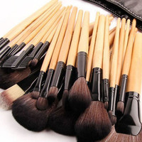 Makeup Brushes Set Tools Pro Foundation Eyeshadow Eyeliner Superior Soft 32pcs