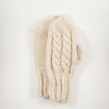 Beige knit mittens, knitted gloves, wool mittens, cable knit mittens, wool gloves, winter accessories, handmade, alpaca wool