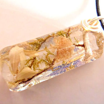 Real Green Moss White Pale Yellow Flowers Nature Pendant  Silver Wire Clear Resin Forest Earth Boho Necklace Bohemian Jewelry
