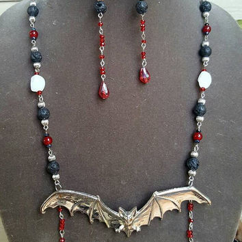 Bloody Gothic Vampire Bat Jewelry Set