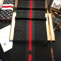 GUCCI 2018 winter new red and green striped embroidery bee wild shawl scarf