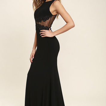 Optimum Elegance Black Lace Maxi Dress
