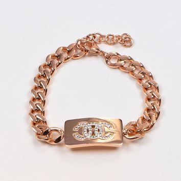 8DESS CHANEL Women Fashion Diamonds Plated Chain Bracelet