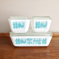 Vintage Pyrex Amish Butterprint Refrigerator Dish Set Turquoise on White.