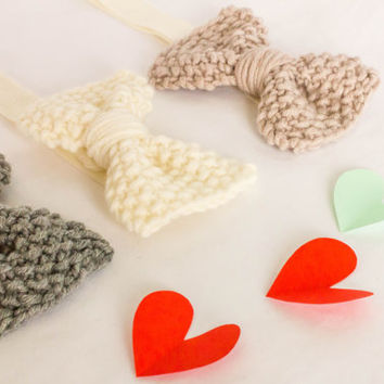 Headband with knitted bow. Headbands for babies handmade in super soft merino wool