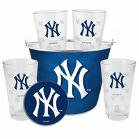 Boelter New York Yankees Bucket Gift Set