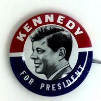 1960 JFK presidential campaign button Kennedy for President classic pose photo button campaign pin
