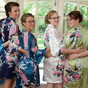 Short Bridesmaids Robes Getting Ready Robes Bridesmiads' Gift Wedding Shower Party Favors Bachelorette Party Pre-wedding Pics Kimono Robes