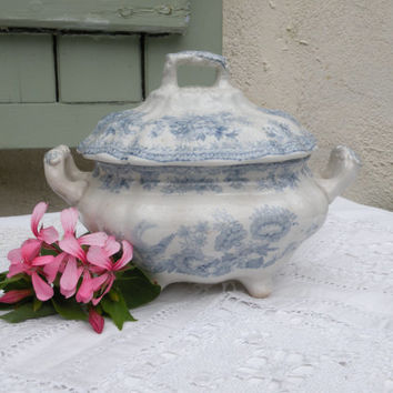 French antique sauce tureen, blue and white sauce tureen, sauce boat, french vintage, shabby chic, cottage chic, sauce tureen