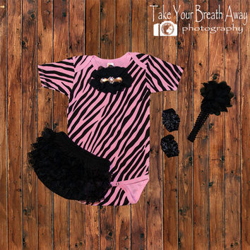 Pink Zebra Onesuit outfit, birthday outfit, pink zebra,infant take home outfit, animal print outfit, Baby girl first birthday outfit