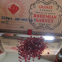 Vintage 1930's Bohemian Garnets Star Cut avg 25 cts / package Original packages
