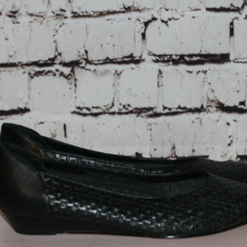 70s black leather flats woven wedge pointy stacked wood grunge boho hipster hippie hipster goth 80s festival 8