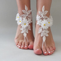 EXPRESS SHIPPING White lace barefoot sandals wedding barefoot, daisy flowers Flexible wrist lace sandals Beach wedding barefoot sandals,