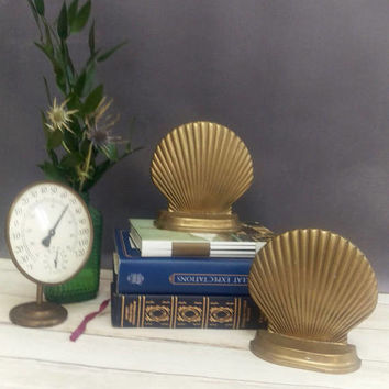 Bookends/ Book Ends/ Brass Bookends/ Brass Shell Bookends/ Shell Decor/ Nautical Decor/ Brass Shells/ Brass Book Ends/ Beach Decor