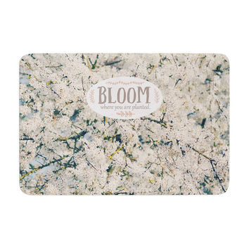 """Robin Dickinson """"Bloom Where You Are Planted"""" White Floral Memory Foam Bath Mat"""