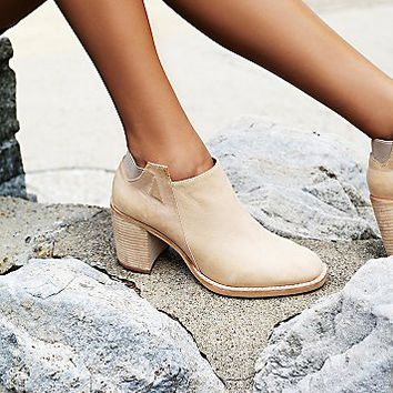 Jeffrey Campbell + Free People Womens Upper Peak Ankle Boot