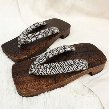 2017 Summer Sandals Japanese Geta Wooden Clogs Slippers Cosplay Mens Bench Geta Sandals Flat Heel Cosplay Flip Flops Shoe