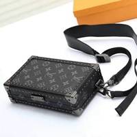 LV Louis Vuitton MONOGRAM CANVAS BOX INCLINED SHOULDER BAG