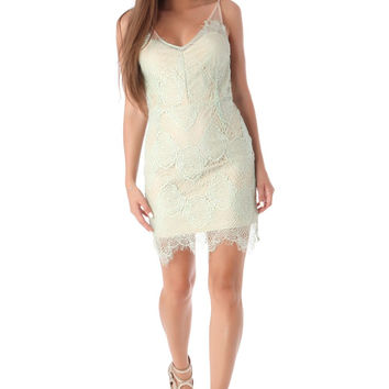 Q2 Green Lace Bodycon Dress