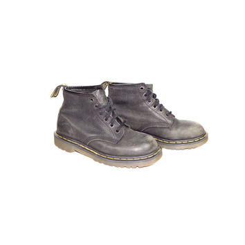 uk 6 | vintage 90s 6 eye black dr martens boots / made in england / classic docs / leather / 1990s grunge / uk size 6