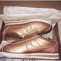 Nike Classic Cortez Leather Mujer Sneaker - Rose Gold
