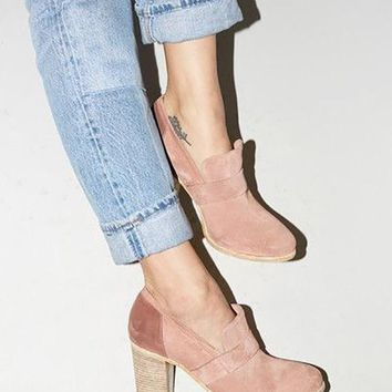 Solid Color Thick Heel Shoes