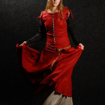 "Medieval Dress with Detachable Sleeves ""Medieval Dream"""