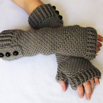 CROCHET PATTERN: Fingerless Gloves (Sizes Adult Small to X-Large) permission to sell finished items