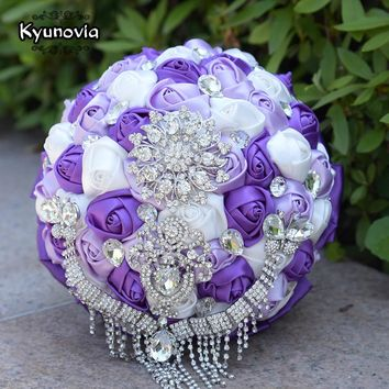 Kyunovia Gorgeous Wedding Bouquets Crystal Butterfly Tassel Handmade Satin Rose Bride Flowers Sparkly Brooch Bridal Bouquet FE74