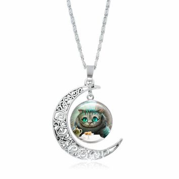 XUSHUI XJ Cheshire Cat Necklace Alice In Wonderland Jewelry Silver Crescent Moon Pendant Chain Necklace Women Gift 2017