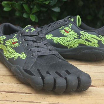 """VIBRAM Fivefingers"" Dragon Embroidery Men Casual Rock Climbing Five Fingers Sneakers Running Shoes"